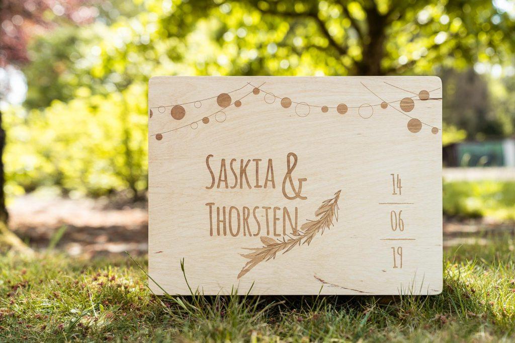Individualisierung einer Holzbox durch Lasergravur